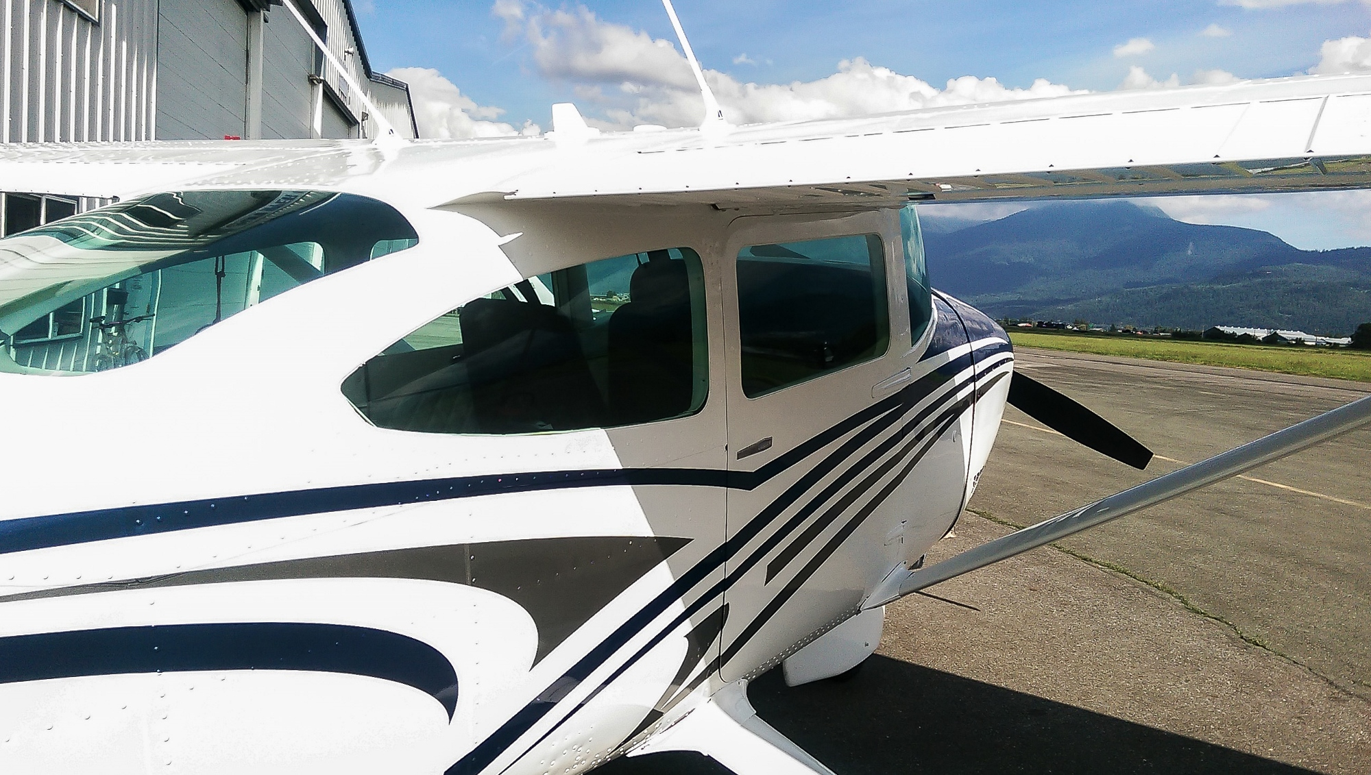 Cessna 182 Paint and Exterior Upgrades – Upper Valley Aviation