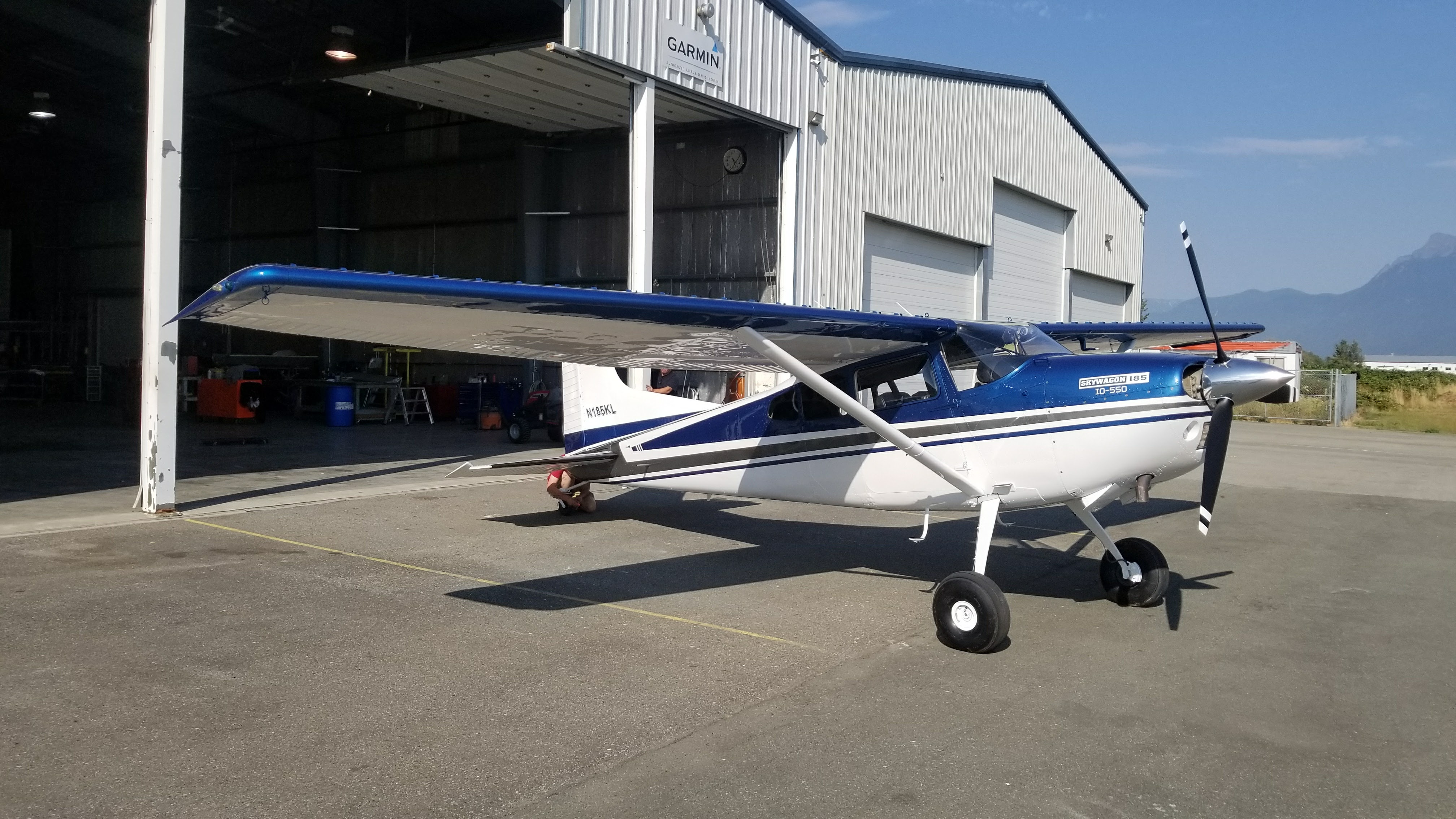 Cessna 185 Paint with Window Replacement – Upper Valley Aviation